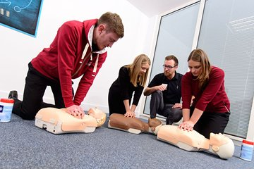 /news-images/2019-Sep/half-day-basic-life-support-course--681.jpg